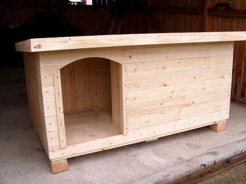 psí bouda bez nátěru s vchodem vlevo