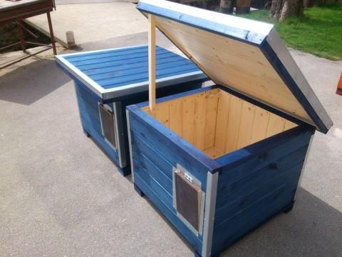 """jednokomorové boudy s """"lítačkami"""" ve vchodech"""
